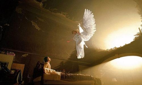 Читать слова заклинания Утреннее на восходящее солнце нужно, обращаясь к небесному светилу и ангелам