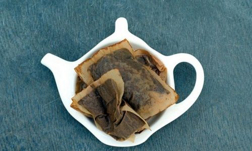 Для снятия симптомов зуда можно использовать холодные примочки из заваренного пакетированного чая