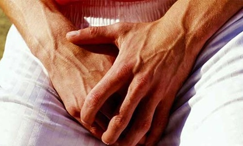Одним из распространенных заболеваний является генитальный герпес у мужчин. Основные причины этой болезни связаны с плохим отношением к собственному здоровью