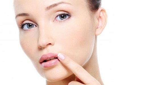 Проблема герпеса на губах