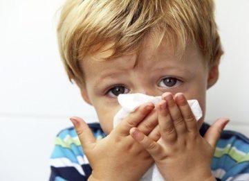 Почему заложен нос у ребенка?