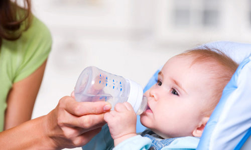 Очень важно, чтобы малыш получал достаточное количество жидкости