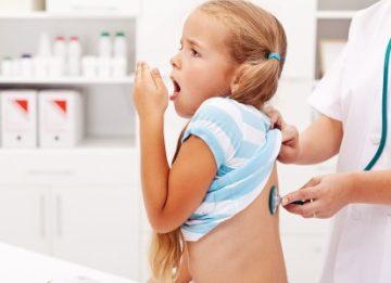 О чем свидетельствует затяжной кашель у ребенка?