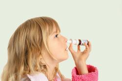 Использование медикаментов против затяжного насморка у детей