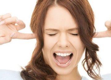 Почему закладывает уши на тренировке?